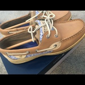 SPERRY NWT Floral Sequin Boat Shoes